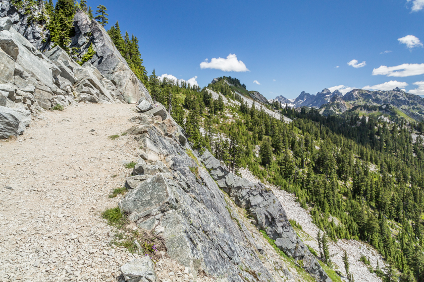 Hiking Kendall Katwalk and Kendall Peak along the Pacific Crest Trail, Washington
