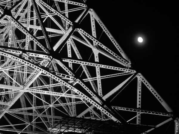 Life in Japan – Tokyo Night in Black & White