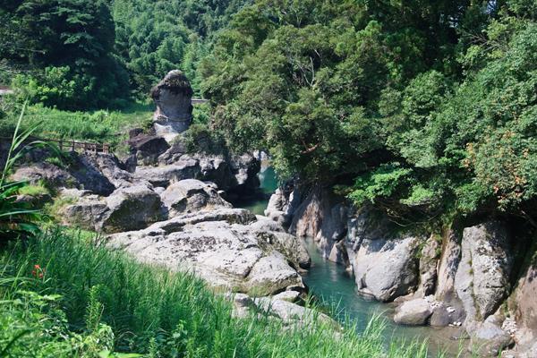 Life in Japan – Inyoseki Fertility Shrine